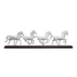 Gruppo cavalli (movement) - Lladrò