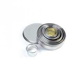 Tagliapasta cerchi festonati in metallo 9 pezzi - Pavoni